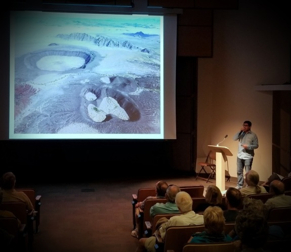Diego Garcia and Miguel Grageda present at ASDM about the Pinacate Biosphere Reserve. Photo: ASDM/Catherine Bartlett